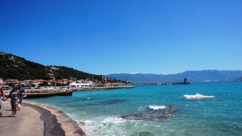 Plaża w Baska na wyspie Krk