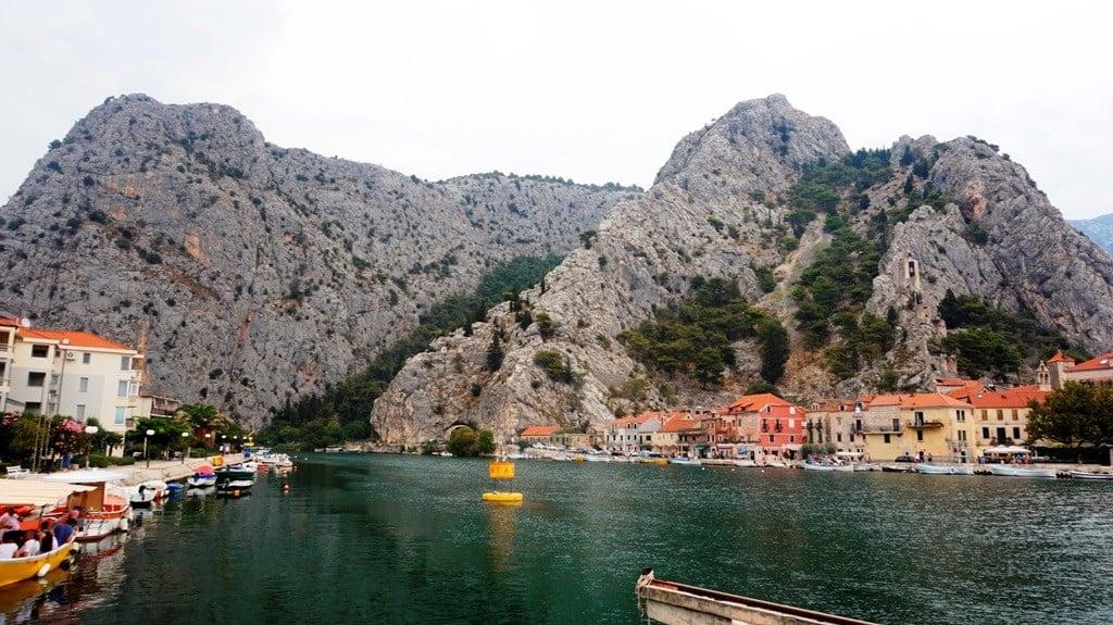 Ujście Cetiny do Adriatyku w Omišu