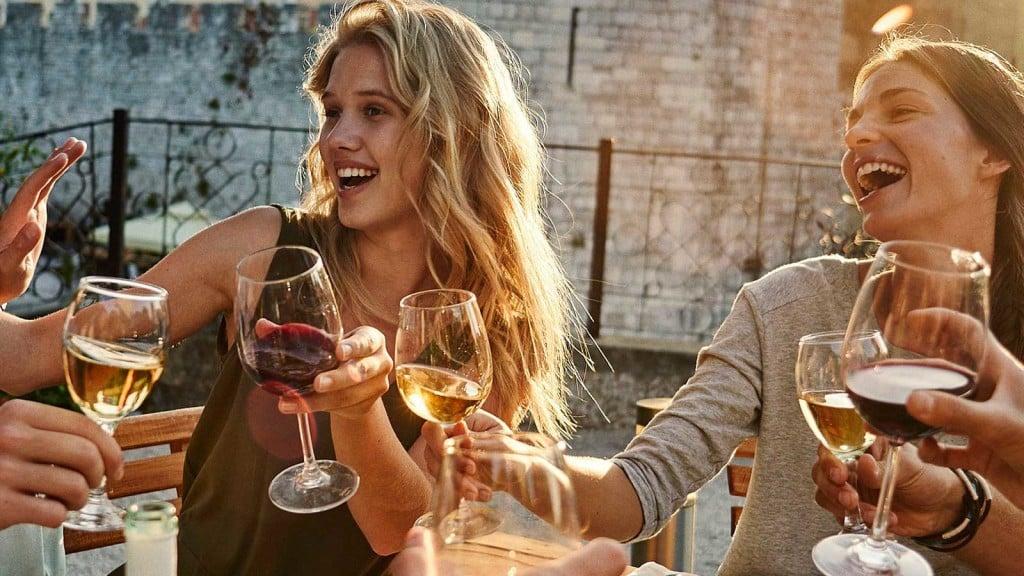 Degustacja młodego wina