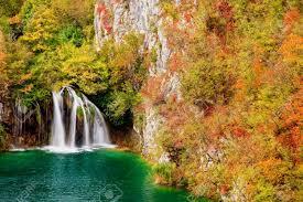 Jesień w Plitvicach Źródło: 123RF Stock Photos, odwiedzić Chorwację jesienią