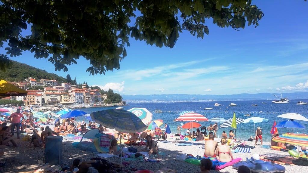 Główna plaża w miejscowosci moscenicka draga