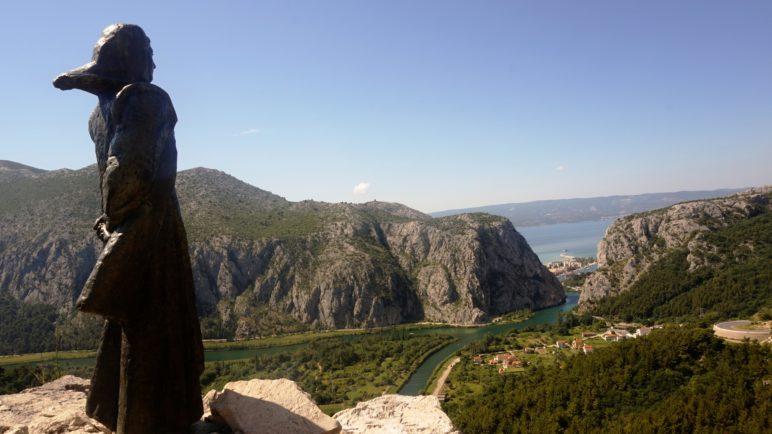Omis, Ujście Cetiny do Adriatyku, Omis