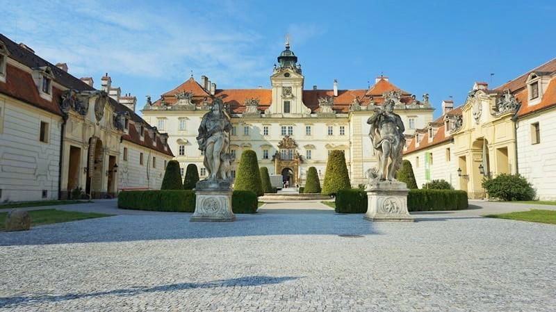 Valtice zamek