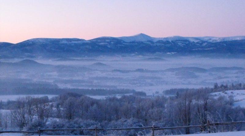 Panorama na Karkonosze z Komarno