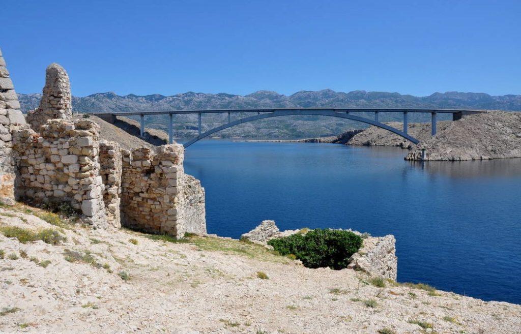 Most na wyspę Pag