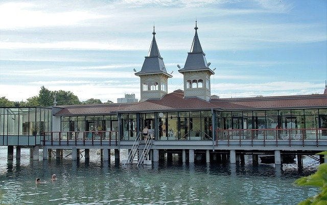 Heviz i jezioro termalne